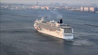 2018.4.28 横浜港に大型外国客船3隻が揃う