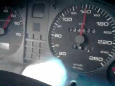 Die Zufuhr des Benzins zu inschektoru