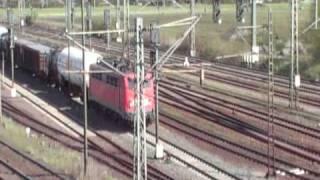preview picture of video 'Parallelfahrten in Lehrte mit S.Bahn und Güterzüge'