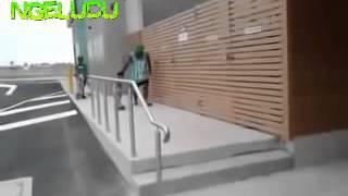 Gambar cover stafaband info   VIDEO LUCU ANAK KECIL NAIK SKATEBOARD EXTREME  LUCU BANGET BIKIN NGAKAK