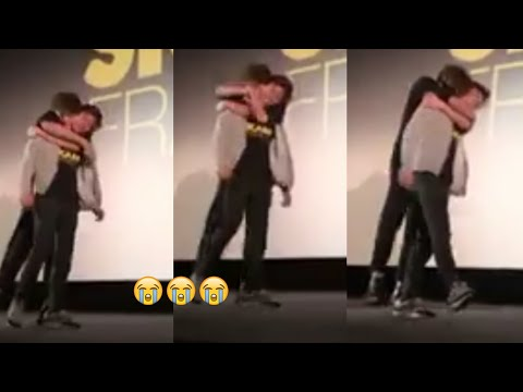 Maxence and Axel cute Friendship at Projection (Elu couple)