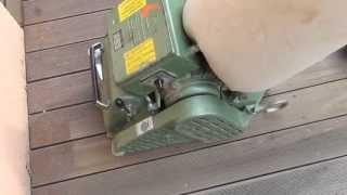 Kartáč na čištění teras