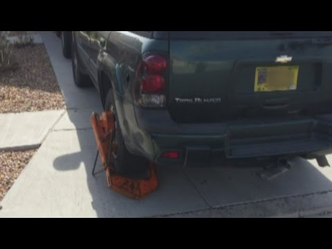 Homeowners' association boots residents on city streets