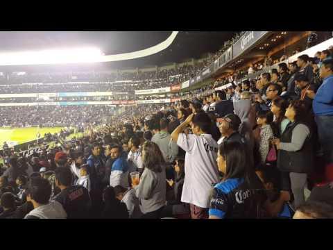 """""""""""Rojinegro cobarde"""" vs Atlas"""" Barra: La Resistencia Albiazul • Club: Querétaro"""