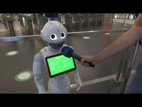 Το ρομπότ Pepper και τα έξυπνα τεστ στο «Ελ. Βενιζέλος»
