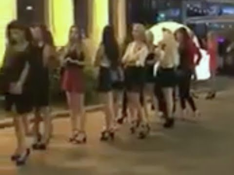 Kolejka do nocnego klubu w Moskwie