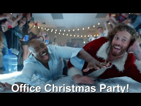 Office Christmas Party (Extended TV Spot 'Down with OCP')