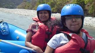 preview picture of video 'River Rafting at Punakha, Bhutan'