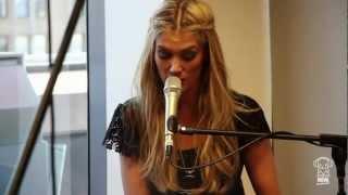 Nova Acoustic Performance: Delta Goodrem - Wish You Were Here (HD)