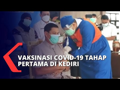 Vaksinasi Covid-19 Di Sejumlah Daerah, Wali Kota Kediri Jadi Orang Pertama Yang Divaksin