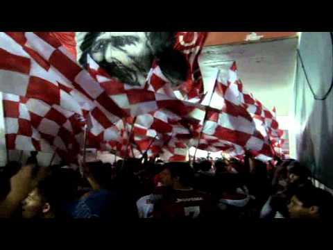 """""""Porque não posso ficar sem te ver"""" Barra: Guarda Popular • Club: Internacional"""