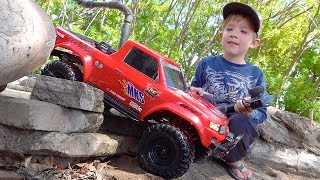 MOE & Dad Play w/ Red & Blue Trucks on the Backyard Trail Course! #Proudparenting | RC ADVENTURES