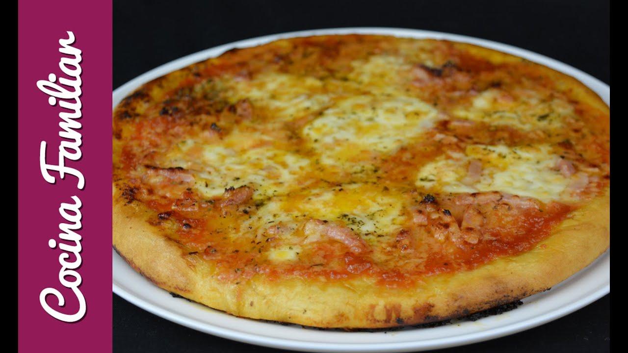 Pizza margarita con masa casera | Javier Romero