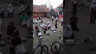 Latihan Drumband SDN Sukasari 1 Cikarang