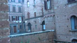 preview picture of video 'late summer rainstorm in Siena, Italy'