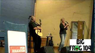 "Trisha Yearwood Performs ""Somewhere Over The Rainbow"" at St. Mary's Catholic School"