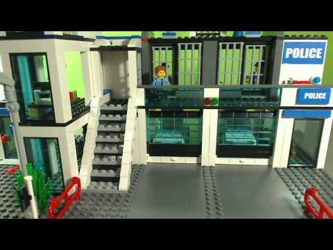 Vidéo LEGO City 7498 : Le commissariat de police