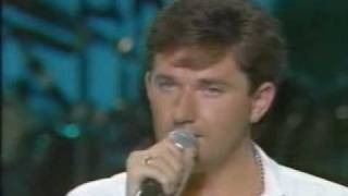 Daniel O'Donnell - Medals For Mothers