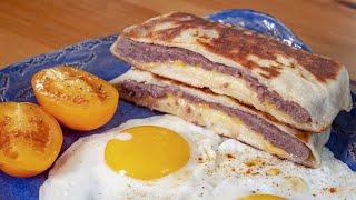 Идеальный завтрак за 10 минут. Семья будет в восторге!!! Яичница с пирожком.