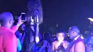 هيفاء وهبي تغني أغنية واوا بحفلها ببيروت 2018 تحميل MP3