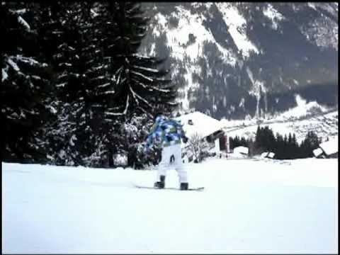 Langenboom aan het snowboarden in Mayrhofen