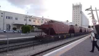 preview picture of video 'רי: קטר 608 בחיפה מרכז IR: Loco 608 Passing Haifa Central'
