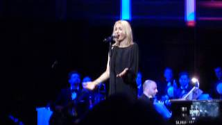 Sarah Connor- Christmas in my heart Tour-Bremen- Have yourself a merry little christmas