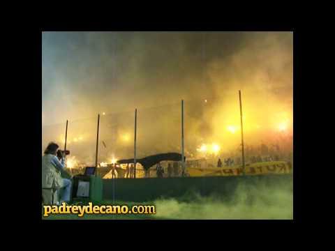 """""""""""La banda siempre va estar"""" - El Profeta (La Vela Puerca) - Hinchada Peñarol"""" Barra: Barra Amsterdam • Club: Peñarol"""