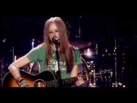 Avril Lavigne Tomorrow-Live