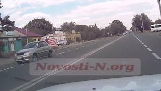 Появилось видео момента аварии перед пешеходным переходом в Николаеве