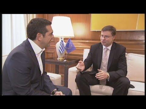 Βλ. Ντομπρόφσκις: Δουλεύουμε για συνολική συμφωνία με μέτρα ελάφρυνσης του χρέους