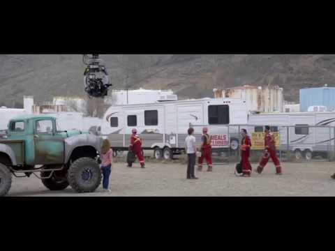 Monster Trucks (Featurette 'Creating Monster Trucks')