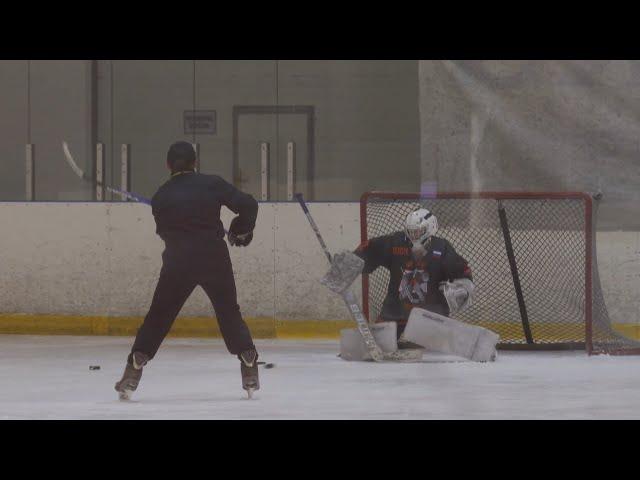 Ангарских вратарей приехали учить именитые хоккеисты