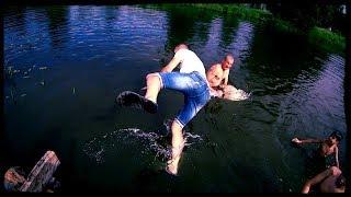 Неудачная рыбалка / Серебряная кнопка / Скинули в воду в одежде