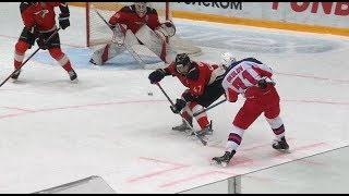 Окулов прошивает Бобкова, сравнивает счет в матче