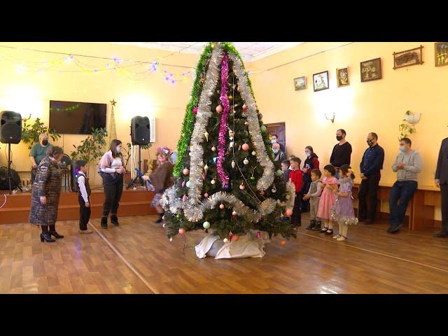 Совет отцов Ангарска и сотрудники МЧС поздравили отцов-одиночек и их детей с Новым годом