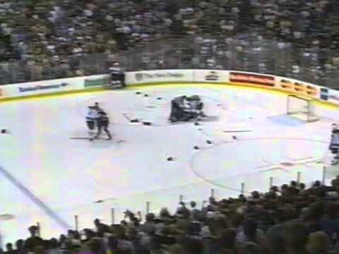Joe Nieuwendyk Fight 1999 Finals