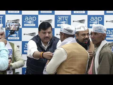 AAP Welcome's People who are Increasing the Strength of Party in Presence of RS Member Sanjay Singh
