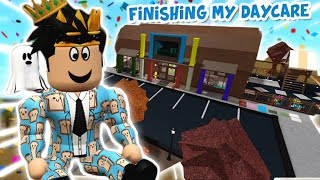 touring and finishing my BLOXBURG BABY DAYCARE... it's totally safe