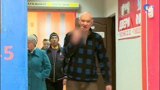 Участники бытового конфликта в Новгороде встретили съемочную группу НТ с кулаками