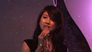 Nụ hôn dưới mưa - Tuyết  Minh 2009