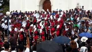 preview picture of video 'Colegio Centenario!! En el mano a mano en el parque de usulutan'