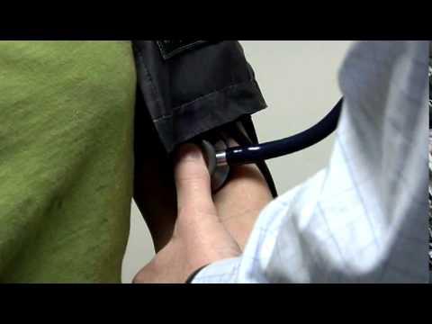 Një rënie të mprehtë në presionin në pacientët hypertensive me arsye arrhythmia