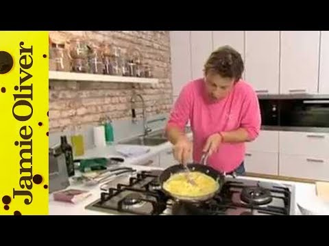 Video Jamie Oliver on making the perfect omelette - Jamie's Ministry of Food