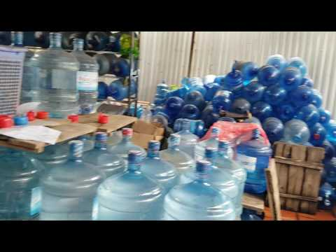 """Tây Hồ: Hãi hùng với cơ sở sản xuất nước uống đóng chai """"bẩn"""""""