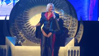 Christina Aguilera Live - Paramount Theatre (WAGW, Come On Over, Keep On Singing My Song)