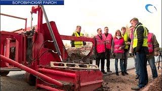 Общественная палата Новгородской области отправилась на проверку качества дорожных ремонтов