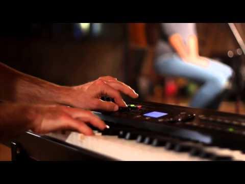 Video: Chválonožky - Láska prišla dole k nám