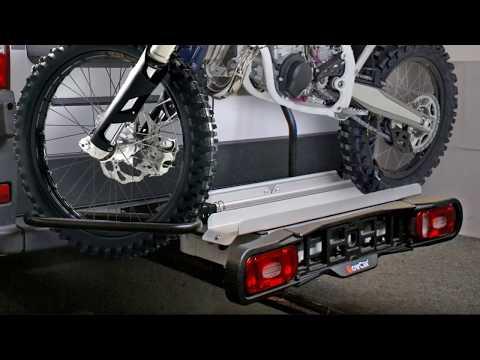 Anhängerkupplung mit dem Motorradträger TowCar Racing am Fiat Ducato
