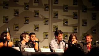 Castle Panel, Comic-Con 2010: Nathan Fillion and Stana Katic read from